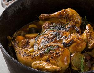 Upside-down peri-peri chicken potjie